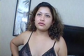 Chubby sweetheart stuffs her unshaved snatch with dong