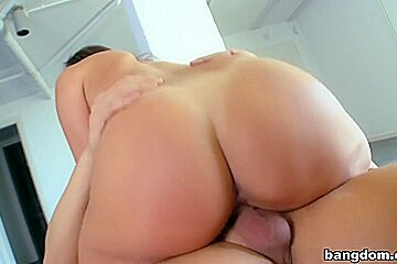 Amazing big natural tits while sucking dick