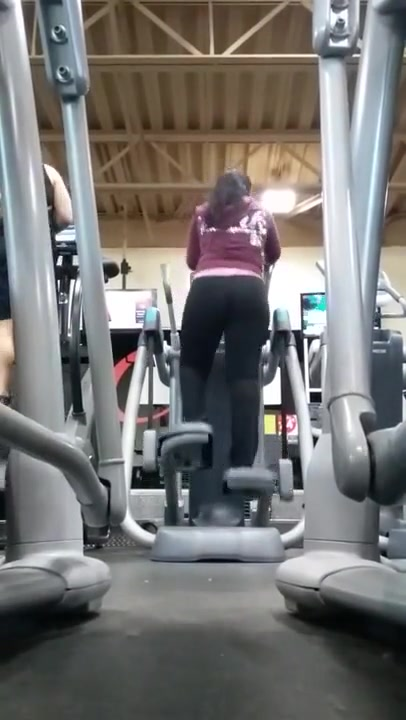 Very Fat Ass In The Gym Latin Milf