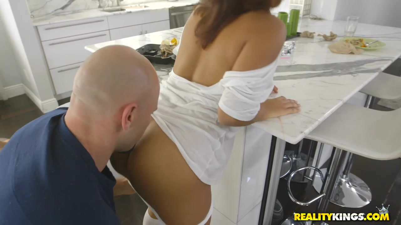 Mia Martinez & Jmac In Wtf My Mother Is At Home - 8Thstreetlatinas