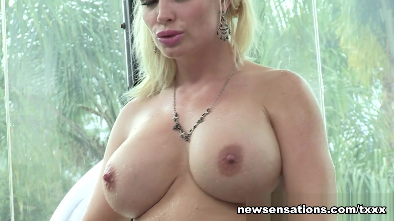 Diamond Foxxx - Manuel Ferrara Is A Milf Prostitute - Newsensations