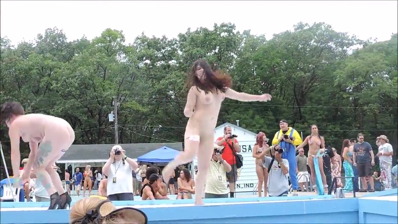 Naked A Poppin 2016 Outdoor Dancer