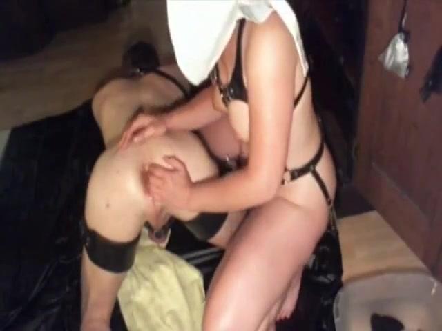 Femina Fisting Whore