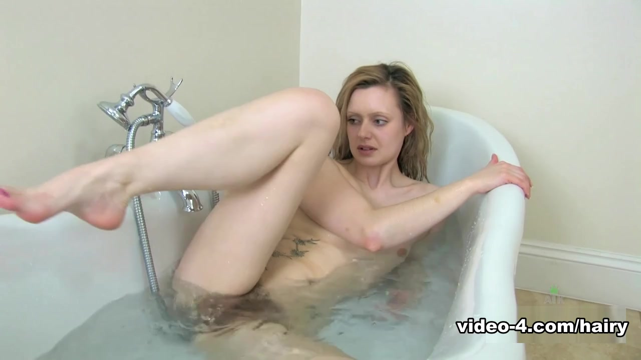 Jessi Green In The Bathing Film - Atkhairy