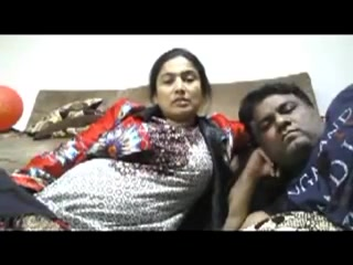 Beautiful Bhabhi Smnoking N Enjöring With Hubby Webcam