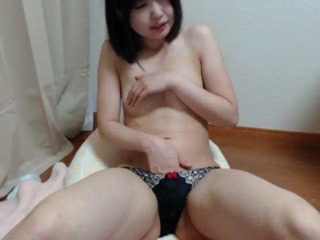 Very Sweet Japanese Girl Masturbates Amateur Webcam