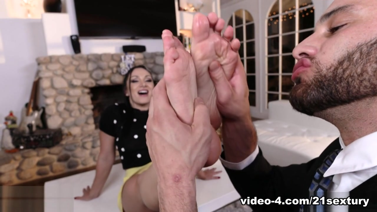 Lea Lexis & Damon Dice In Sugar Daddy Seduction, Scene # 01 - 21Sextury