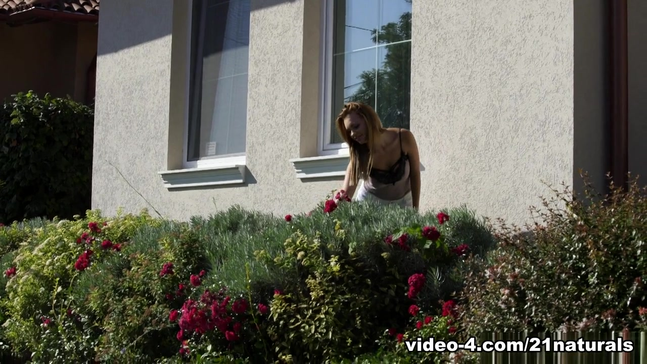 Emily Thorne & Max Fonda In My Ass Soaking, Scene # 01 - 21Naturals