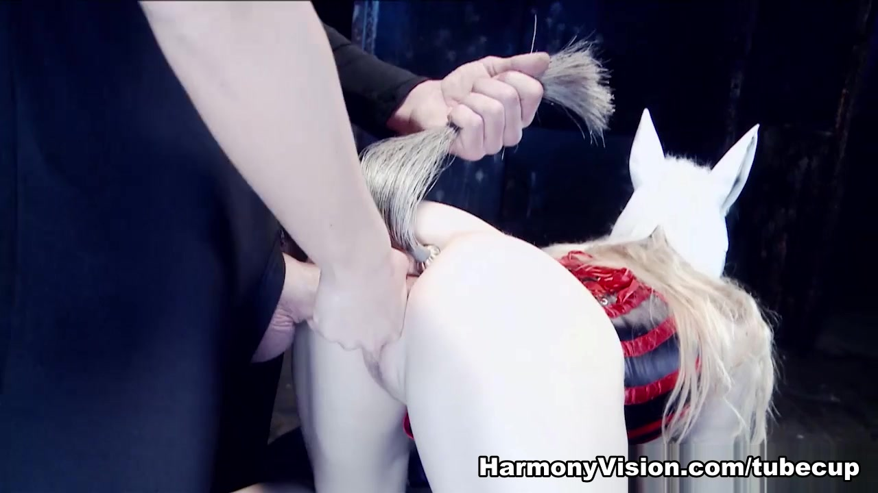 Karlie Simon & Michelle Wet In Fuck The Pony - Harmonyvision