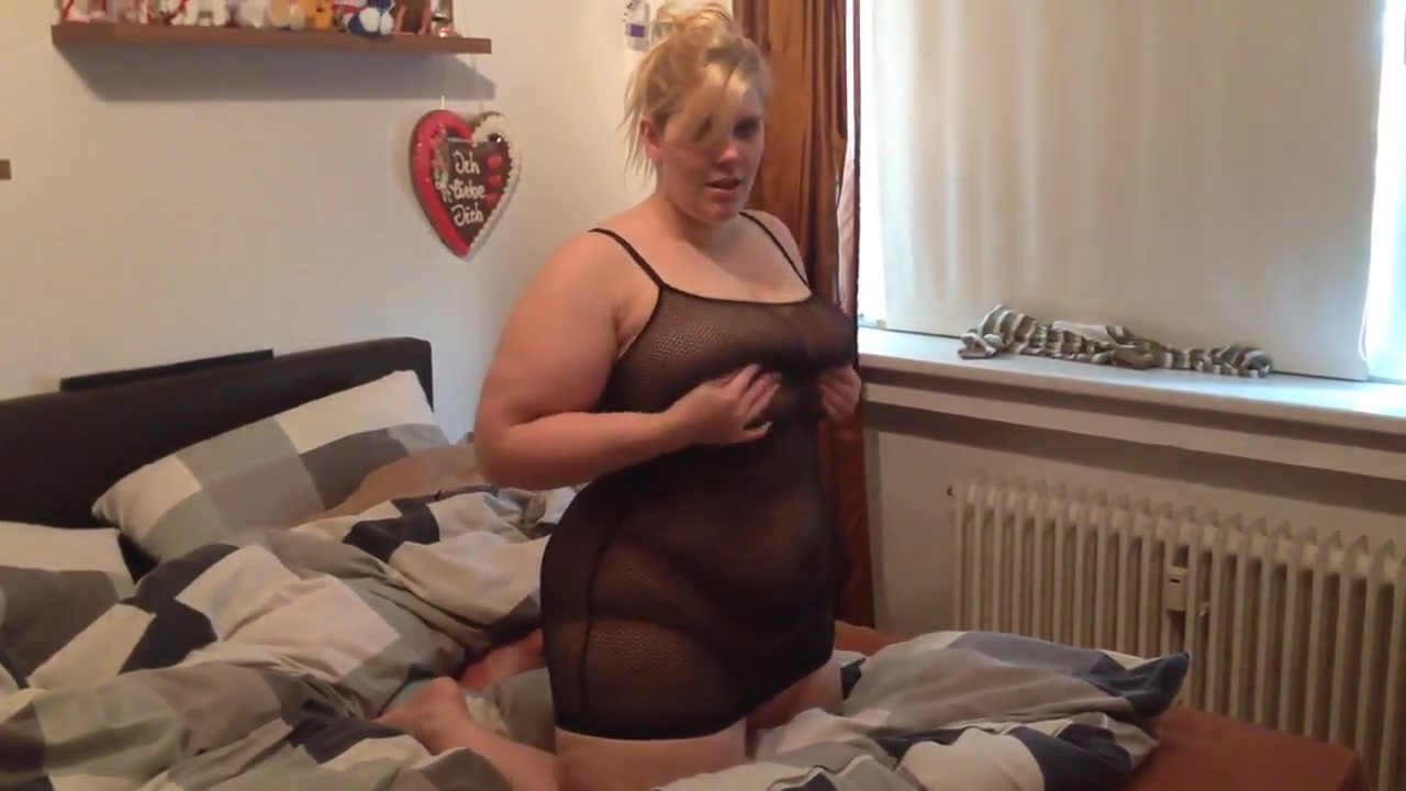 Sexysandy99 Bbw Teen Blonde Big Tits Makes Est Herself