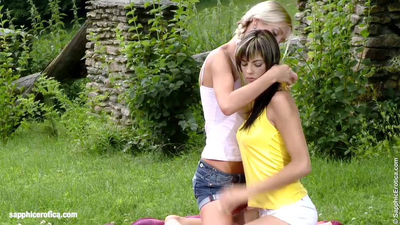 Playful Picnics Of Sapphic Erotica Mellie And Camie Lesbian Sex Outdoors