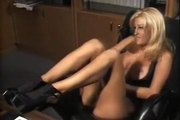 Jill Kelly Moves In The Office