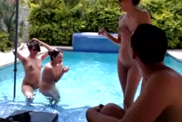 Nakedhotcamgirls.me - Hot Summer Four Girls A Boys