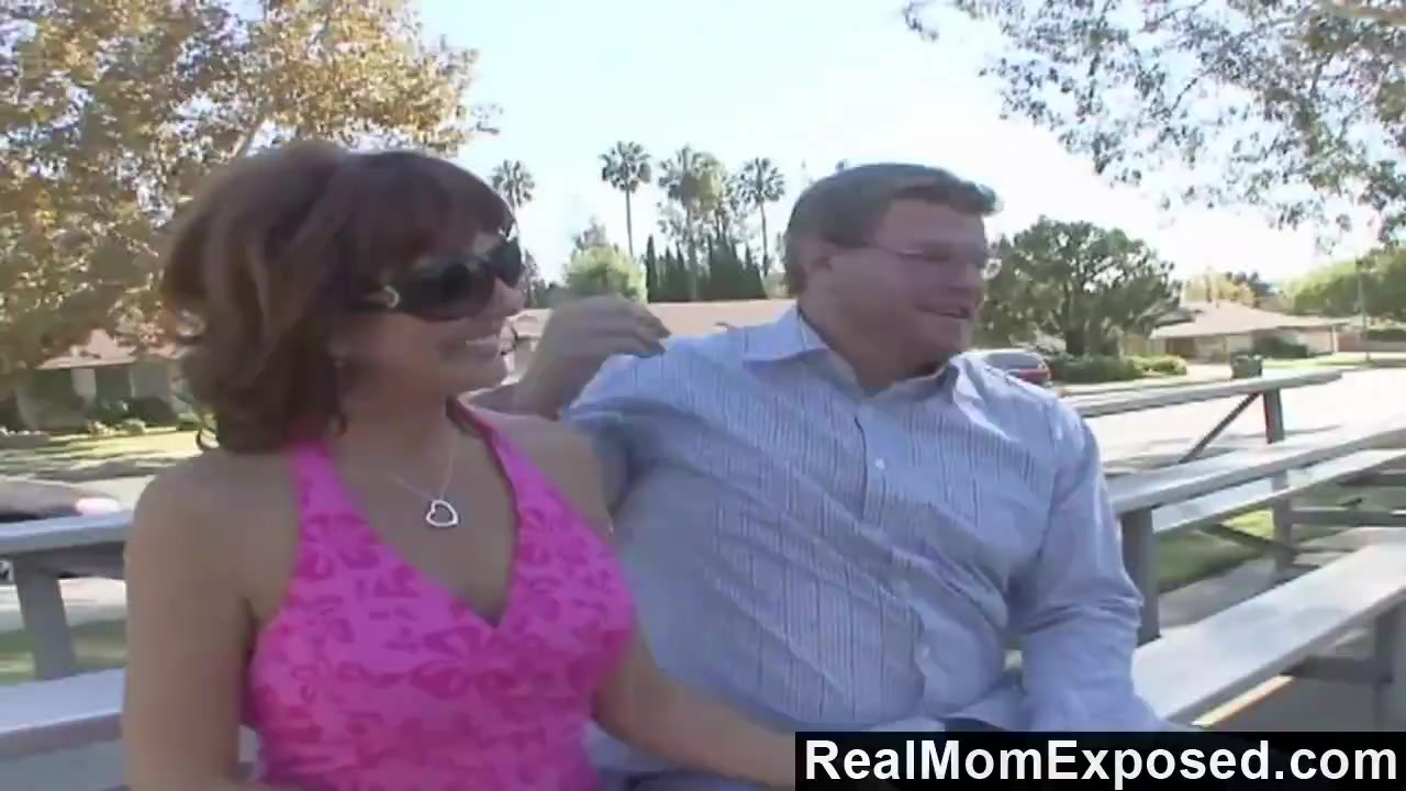 Realmomexposed Hubby Gets His Kick Watching Fuck Pro Stud