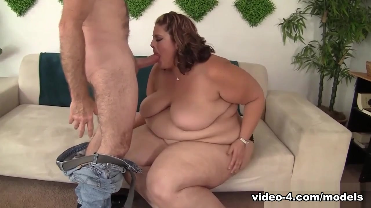 Erin Green In Big Beauty Erin Gets Her Chubby Pussy Pounded - Jeffsmodels
