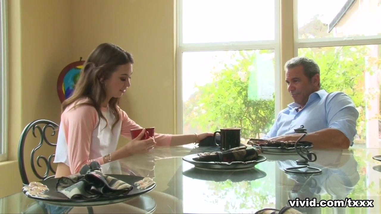 Riley Reid In Stepdaughter Riley Reid Wants What Mama Had - Alive