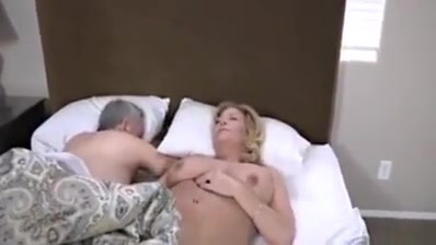 Hot Mature Kiss With A Sexy Body