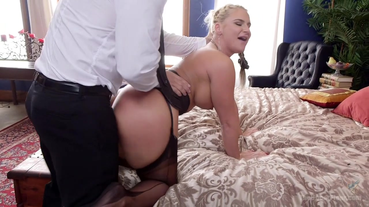 Phoenix Marie & Piper Perri & Ramon Nomar In My Stepmom Is A Secret Sex Slave - Deroberfloor