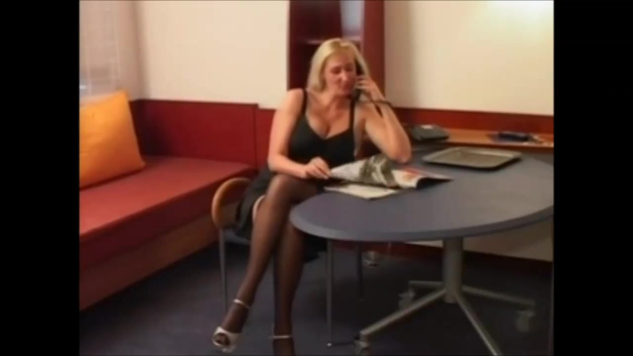 Voluptueus German Blonde Milf Fucked In Nylons