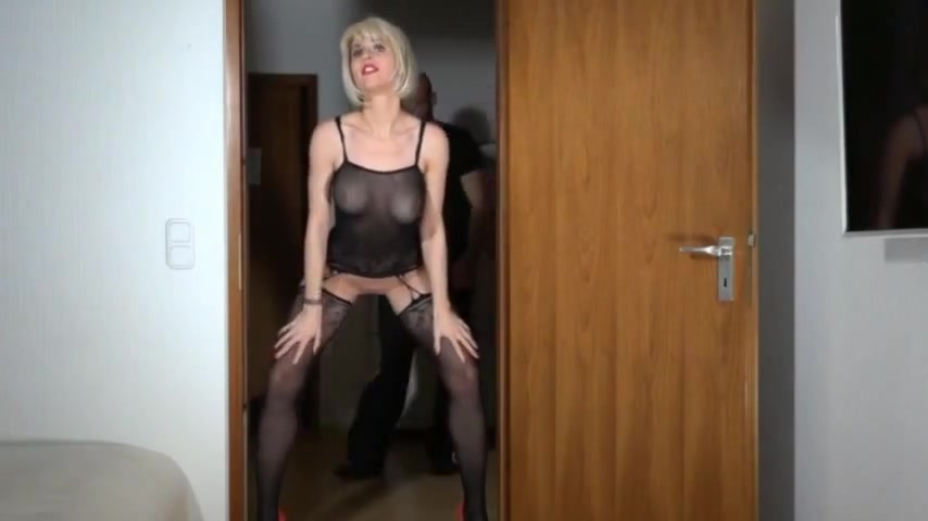Anal With German Milf Ends With A Golden Shower