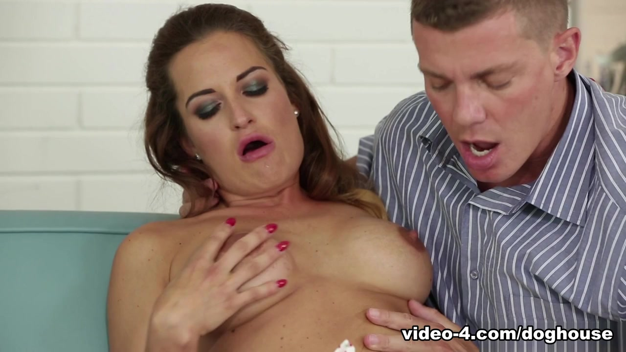 Vinna Reed & Nicole Vices In Mom And Dad Are Fucking My Friends # 19 - Doghousedigital