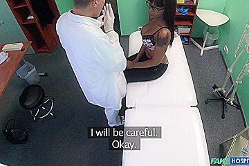 Ebony Babe Has Pussy Inspected - FakeHospital