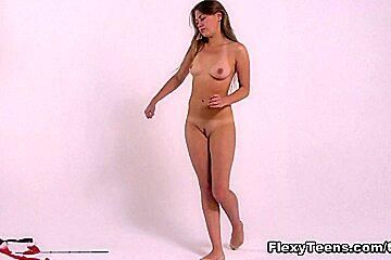 FlexyTeens Video: Kira Zukerman