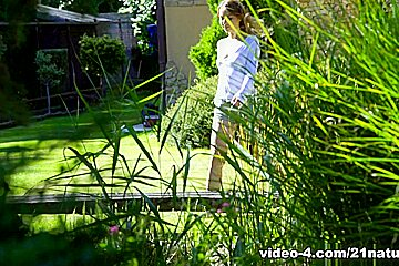 Kira Thorn & Renato in Getting Dirty in the Garden - 21Naturals