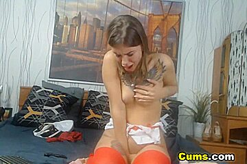 Pretty Teen Gives Herself Extreme Pleasure