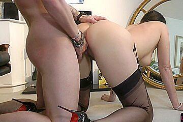 Roundass british milf bouncing on cock