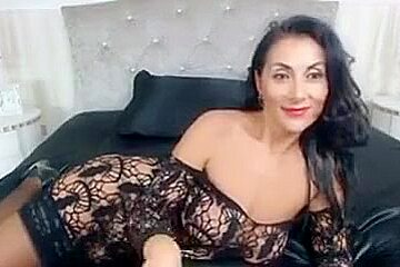 Very Hot An Sexy MILF In Lingerie Chats ( More at - www.girls-cams.top )