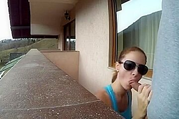 Amateur Quick Sex in the Balcony of a Hotel Room in Holiday