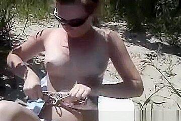 Bikini beach college babe naked nice ass masturbation fingering fun outdoor
