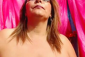 Hairy granny close up in tights on cam
