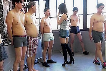 Amazing Japanese model in Fabulous Public, MILF JAV clip