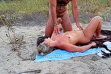 Amateur cuckold beach to cap agde