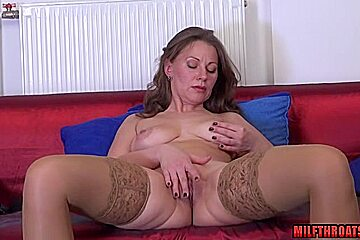 Shaved mature sex with cumshot