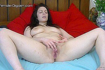 The Female Orgasm: Eva Uses Her Fingers