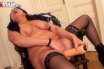 Zolitaire in FunMovies video:Dildo Gilf
