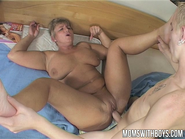Magnificent Hot moms selfshot suck something