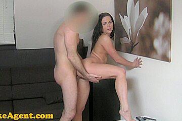 FakeAgent HD: Surprise creampie for hot amateur