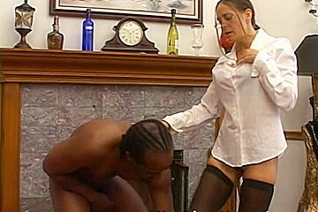Next Door Mommies: Brunette cougar loves to choke on a bbc