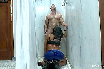 Hot and Nasty Gym Shower Blowjob leads to Fucking Her cock
