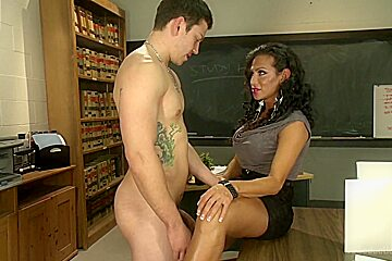 Hot for Teacher She has a cock and you are not afraid