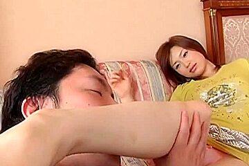 Yui Matsuno Bonks, takes Oral-Stimulation Ejaculation -Uncensored (MrNo)