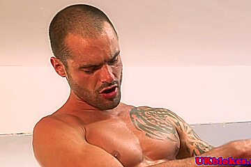 Muscled english queers love threeway sex