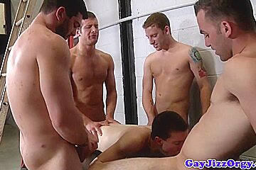 Tyler Sweet gets group load on his chest