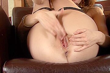 Jenni Lee showing her pussy close up