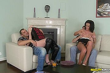 Alexis Crystal and Linet Slag, coming up the sex party