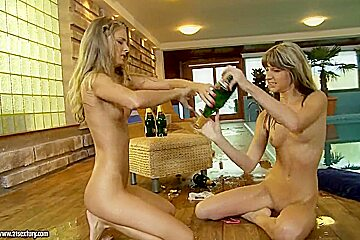Nude Fight Club Champions Cayenne Klein and Doris Ivy